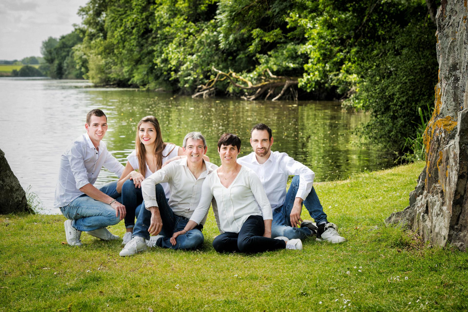 Comment choisir entre des portraits en studio en Bretagne et en extérieur ?